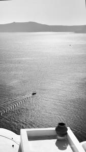 Santorini boat Johannes Frank