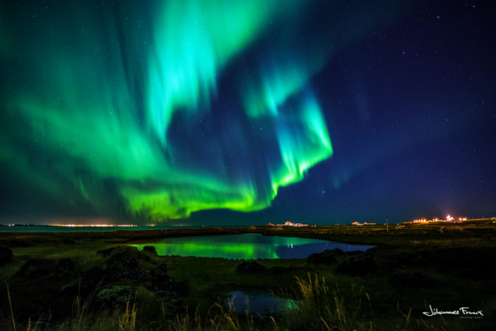 gardafjoru tjorn garðakirkja northernlights johannes frank.com
