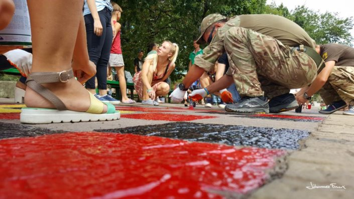 Painting Mariupol colors with AZOV johannesfrank