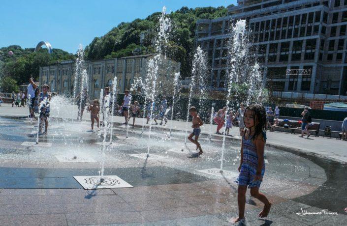 Water fountain cool in the summer heat in Kiev Johannes Frank
