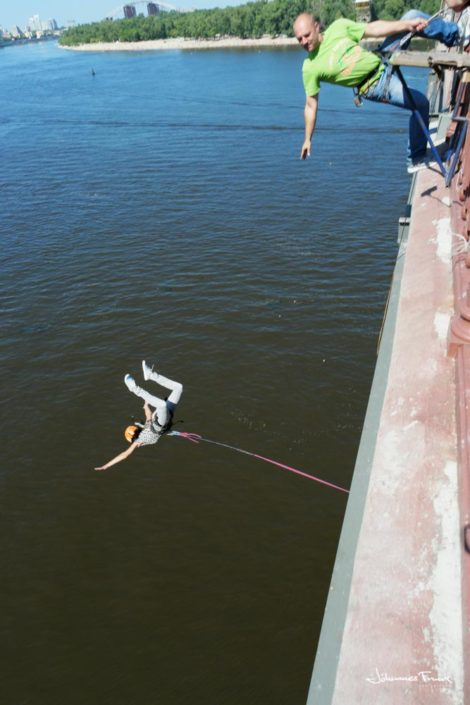 Bungy jump for a bridge in Kiev johannesfrank